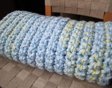 Finding the Best Yarn for Baby Blankey Is Fun for Both Mothers and Babies
