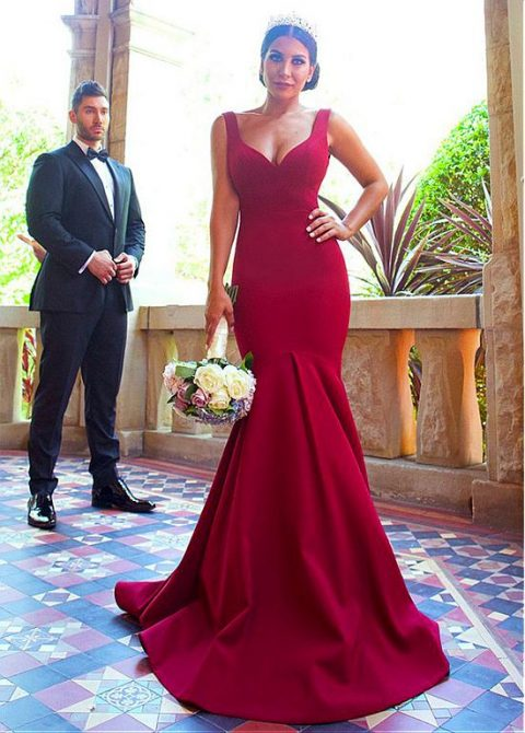 6 Tips on How to Pull Off a Sexy Wedding Dress & Still Look Graceful