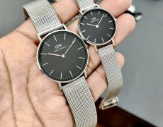 What are the advantages of wearing watches?